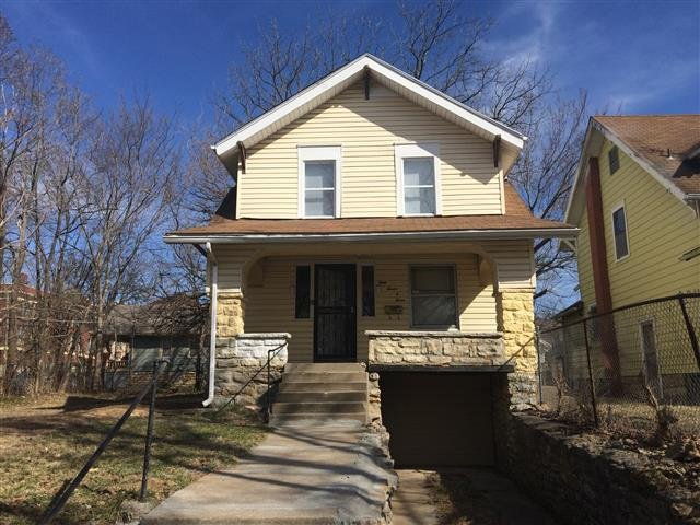House for rent in 3707 agnes kansas city mo for 4 bedroom houses for rent in kansas city mo