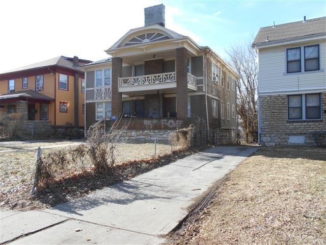 House for rent in 3332 agnes avenue kansas city mo for 4 bedroom houses for rent in kansas city mo